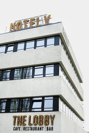 Hotel V Fizeaustraat Front Terrace 3
