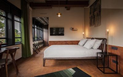 Hotel V Fizeaustraat Premium Deluxe Room 1