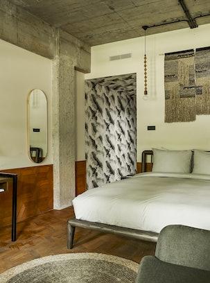 Hotel V Fizeaustraat Premium Room 3