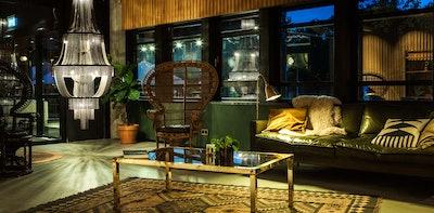 Hotel V Fizeaustraat Frontdesk 2