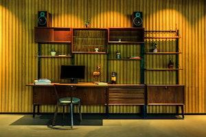 Hotel V Fizeaustraat Frontdesk 4